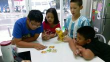 2016 Summer Vacation Activities - Week 5 playing board games  桌遊時間